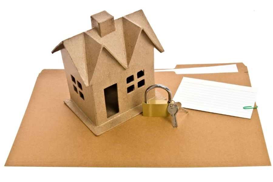 """What Does It Mean to """"Lock In"""" A Mortgage Rate?"""